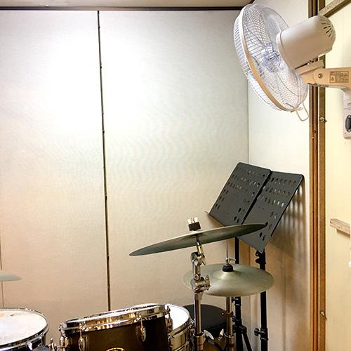 大手町スタジオドラムブースに扇風機設置